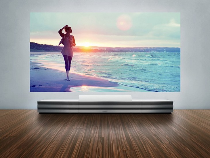 Новый проектор от Sony 4K Ultra Short Throw Projector (1)