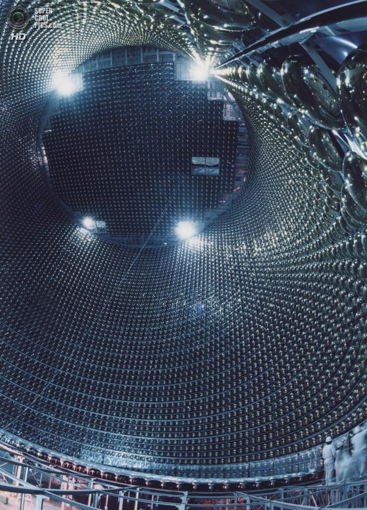 Нейтринный детектор Super-Kamiokande (3)