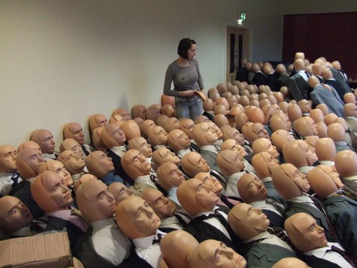 Массовка из кукл. Куклы статисты в кино (2)