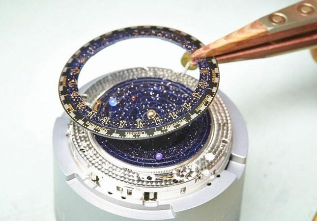 """""""Космические"""" часы Poétique Midnight Planétarium (3)"""