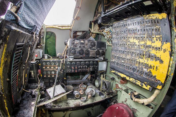 Заброшенный АН-10 изнутри (25)