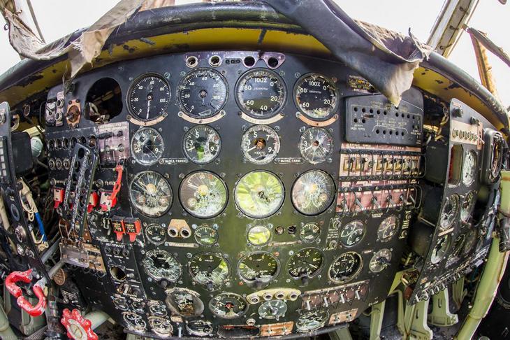 Заброшенный АН-10 изнутри (42)