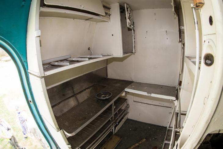 Заброшенный АН-10 изнутри (48)