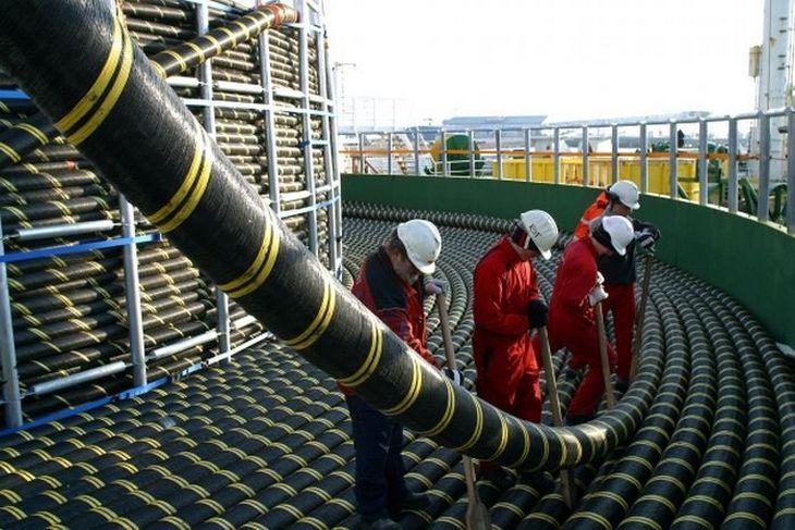 Гигантский силовой кабель для подводной прокладки (1)