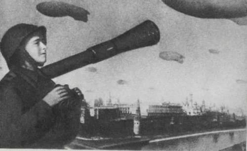 Зачем во время войны над Москвой поднимали аэростаты (3)