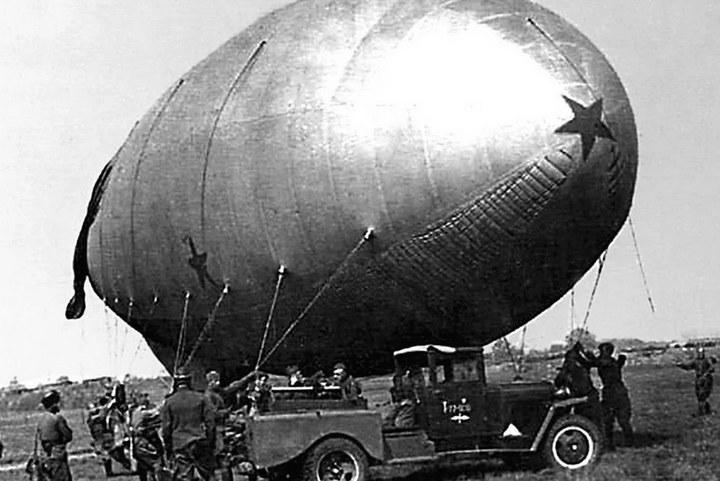 Зачем во время войны над Москвой поднимали аэростаты (4)