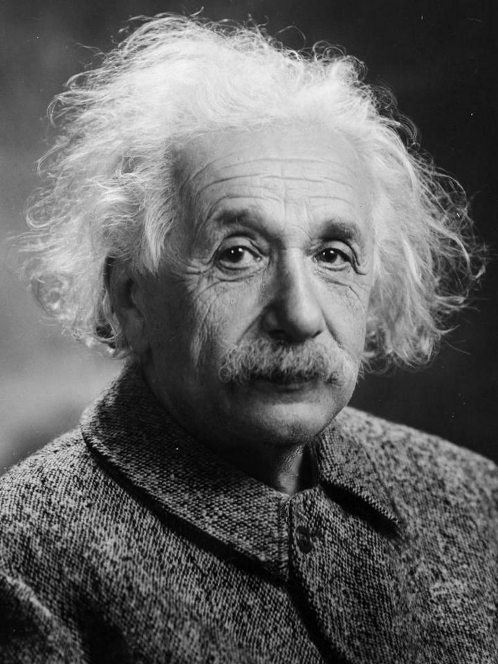 Патологоанатом, который осуществлял вскрытие тела Альберта Эйнштейна, украл его мозг и хранил в формалиновом растворе около 20 лет